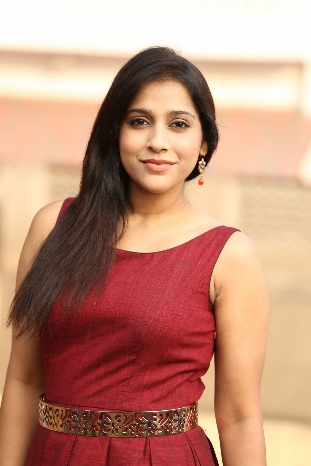 rashmi gautam Rashmi Gautam Sizzles In Her Brand New Outfit | Movie Business Rashmi Hot Pics 231