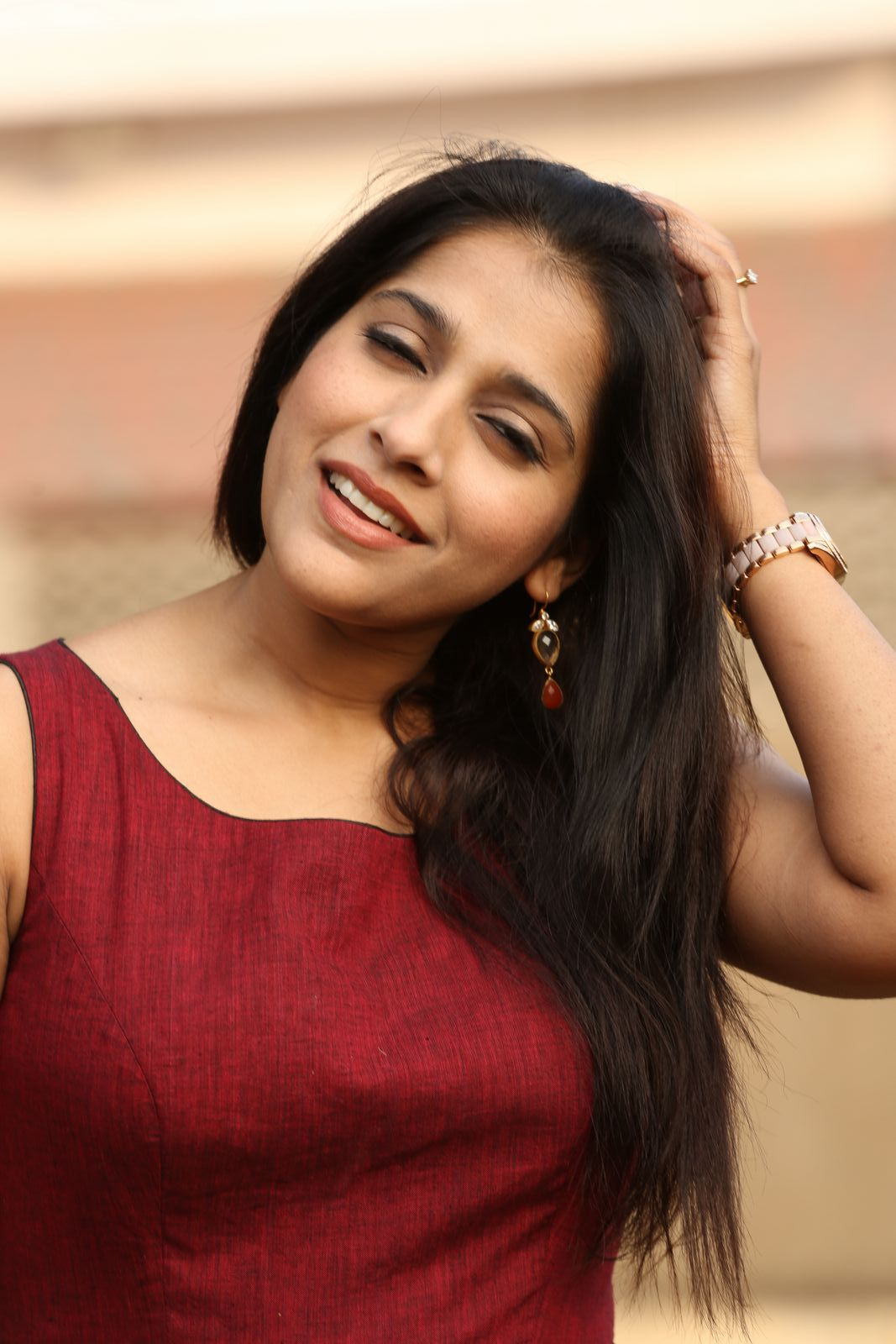 rashmi gautam Rashmi Gautam Sizzles In Her Brand New Outfit | Movie Business Rashmi Hot Pics 267