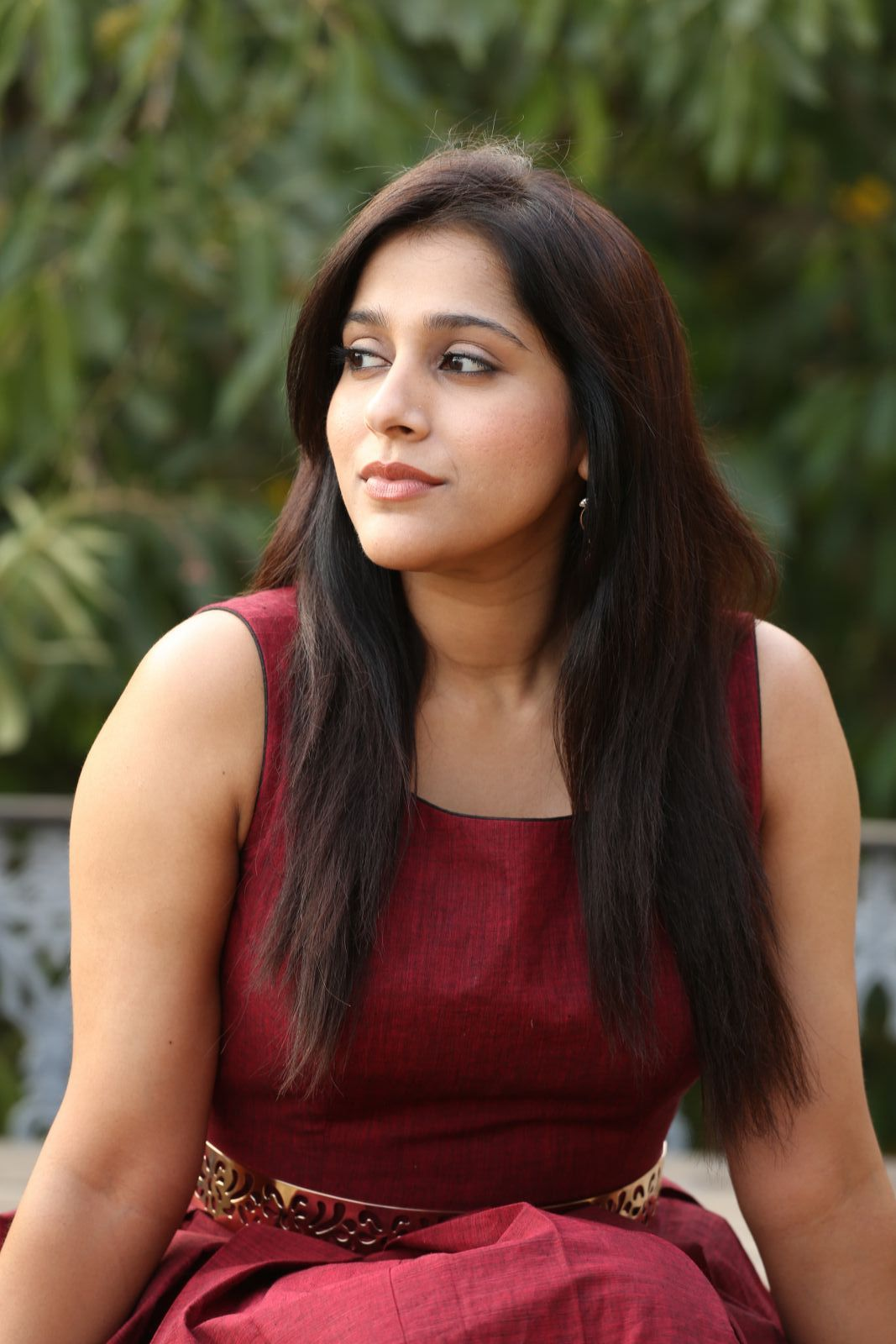 rashmi gautam Rashmi Gautam Sizzles In Her Brand New Outfit | Movie Business Rashmi Hot Pics 297