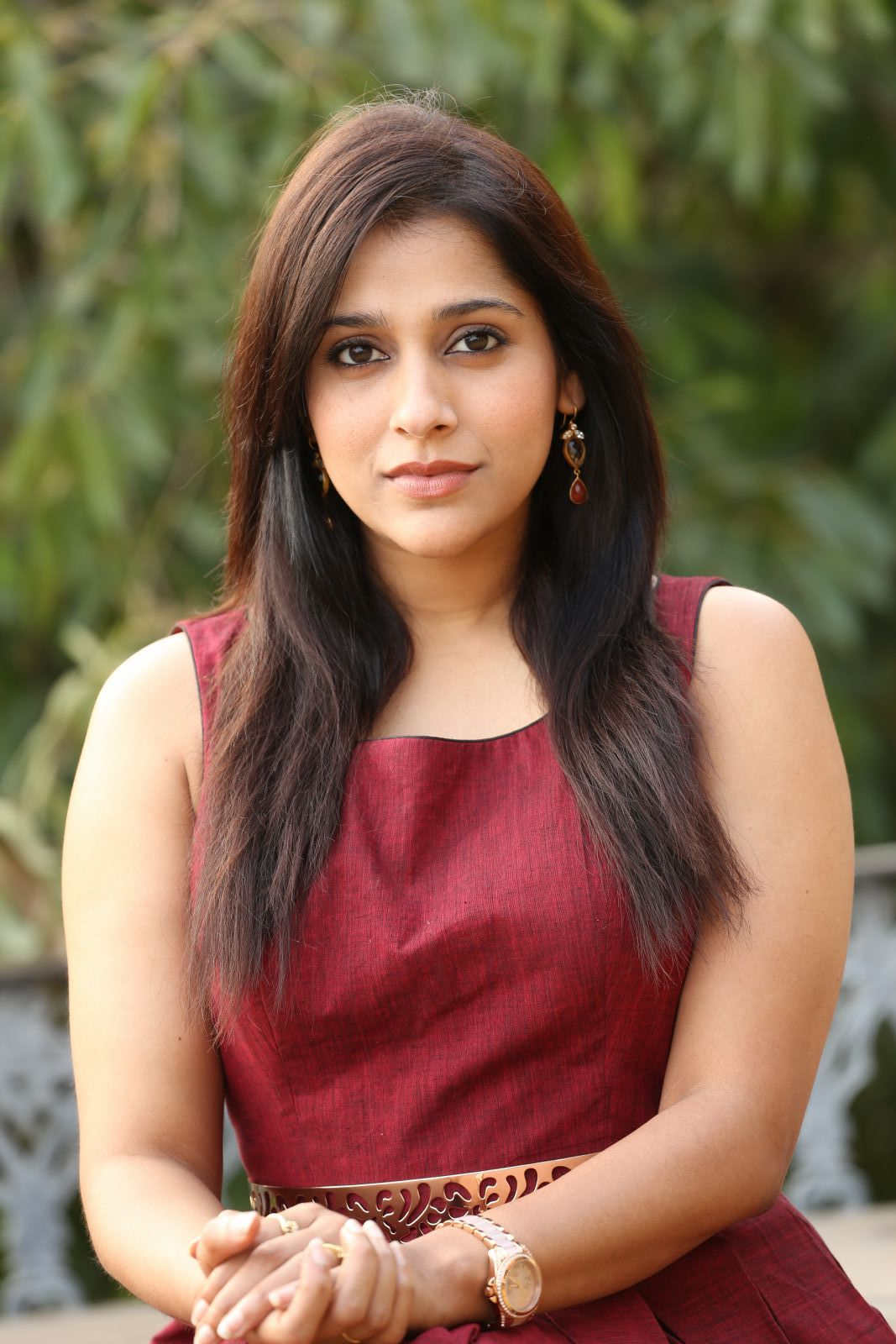 rashmi gautam Rashmi Gautam Sizzles In Her Brand New Outfit | Movie Business Rashmi Hot Pics 345