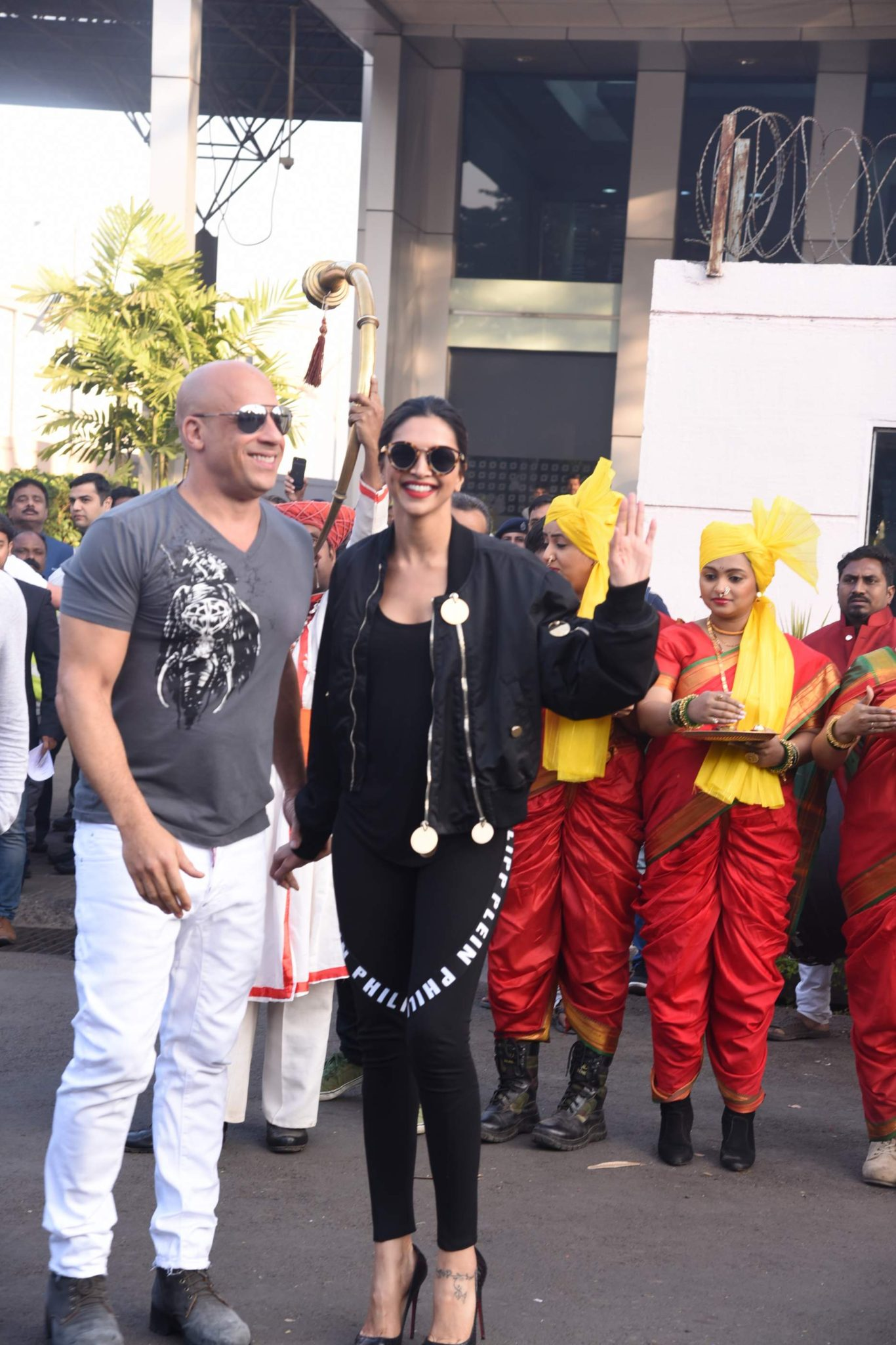 Brand New Pics of Vin Diesel and Deepika Padukone Deepika Padukone Brand New Pics of Vin Diesel and Deepika Padukone Vin Diesel Deepika 18