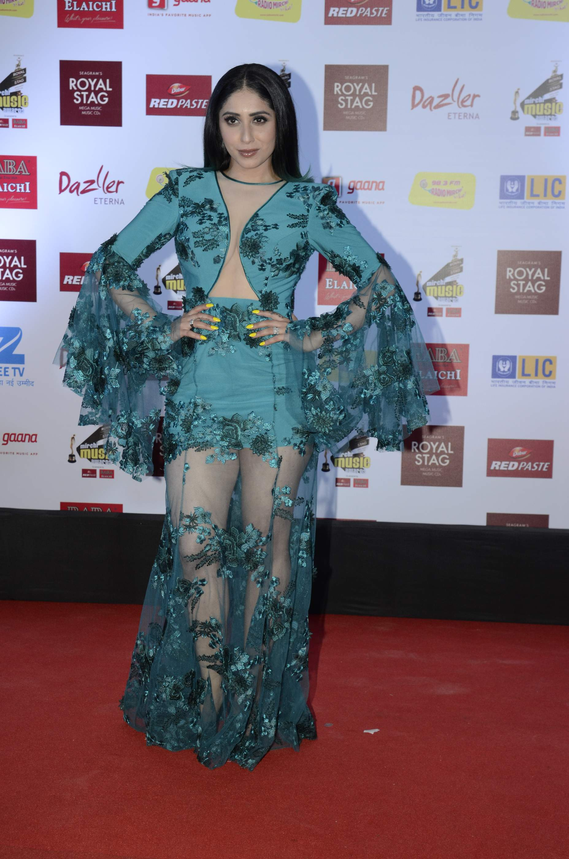 mirchi music HOT Celebs Dazzle At Mirchi Music Awards Event | Models | Actresses Radio Mirchi Awards Red Carpet 12