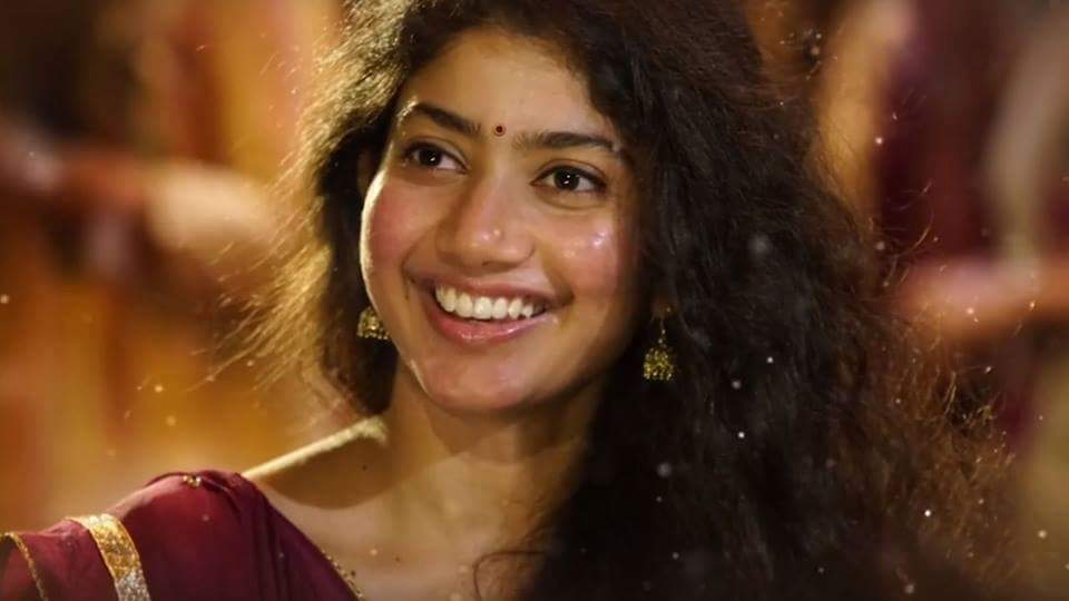 Super Cute Photo Stills Of Actress Sai Pallavi | South Indian Actresses sai pallavi Super Cute Photo Stills Of Actress Sai Pallavi | South Indian Actresses Sai Pallavi Beautiful Pics of South Indian Heroines 6
