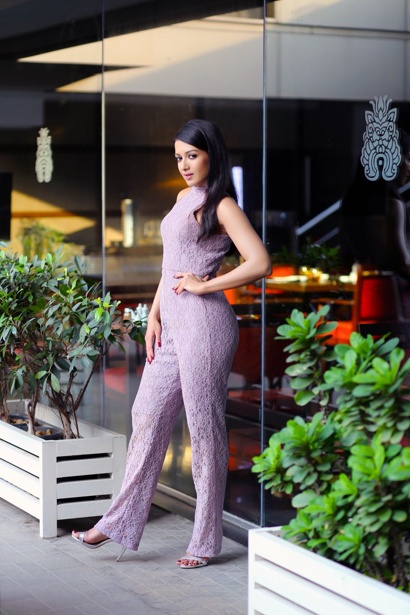 super hot actress catherine tresa sizzles in stunning outfit Super HOT Actress Catherine Tresa Sizzles In Stunning Outfit 1501960844 983 super hot actress catherine tresa sizzles in stunning outfit