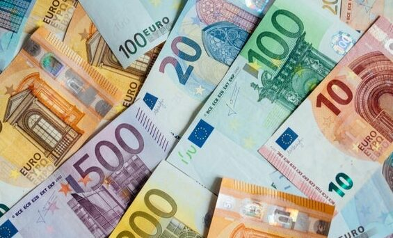 Want To Know How Many 'Euro Banknotes' Are In Circulation? – Get The Answer Here  Want To Know How Many 'Euro Banknotes' Are In Circulation? – Get The Answer Here want to know how many euro banknotes are in circulation get the answer here